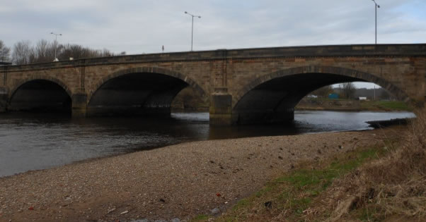Walton Bridge and the shingle bank composed of glacial erratics